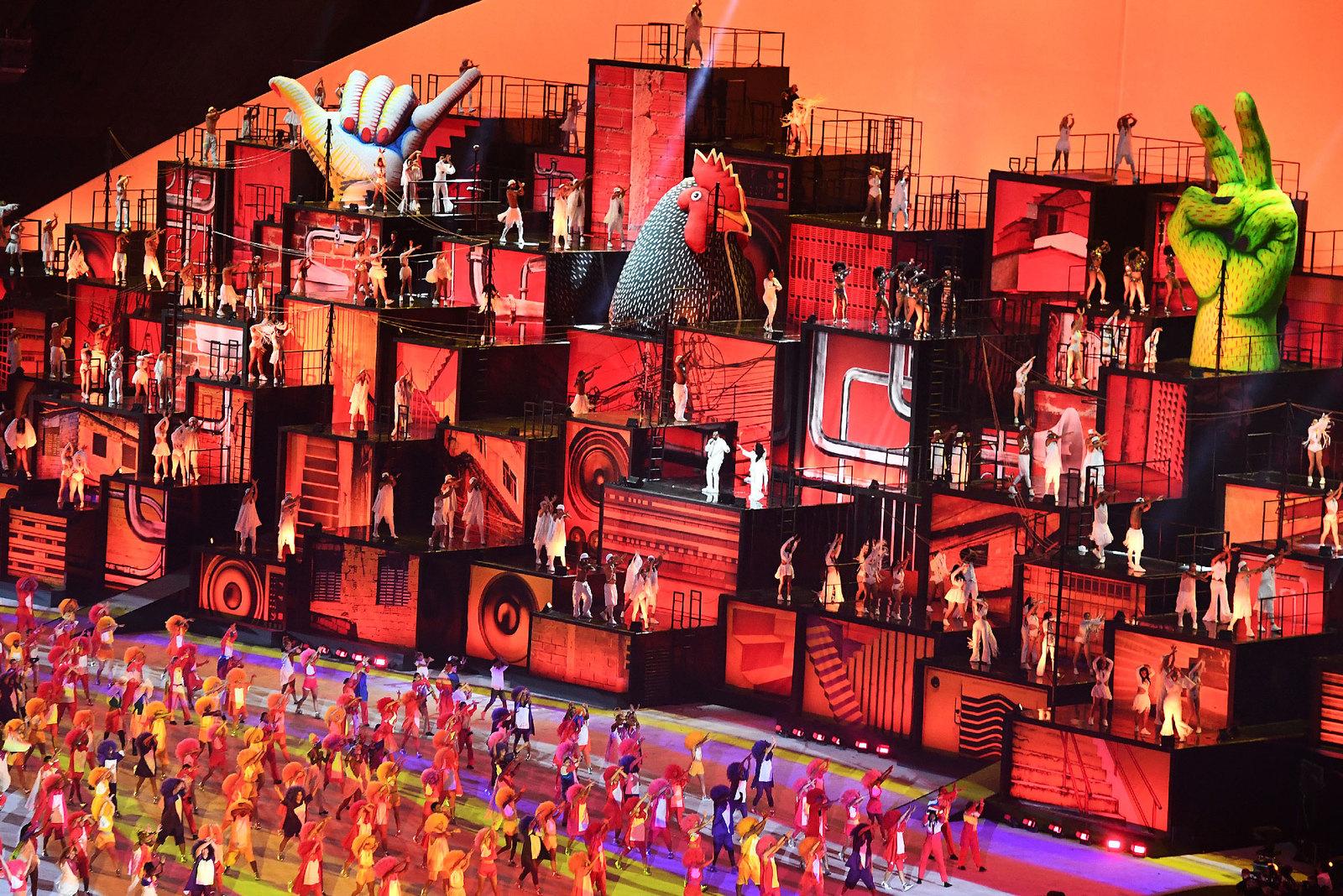 Выступление известных бразильских исполнителей на открытии олимпиады