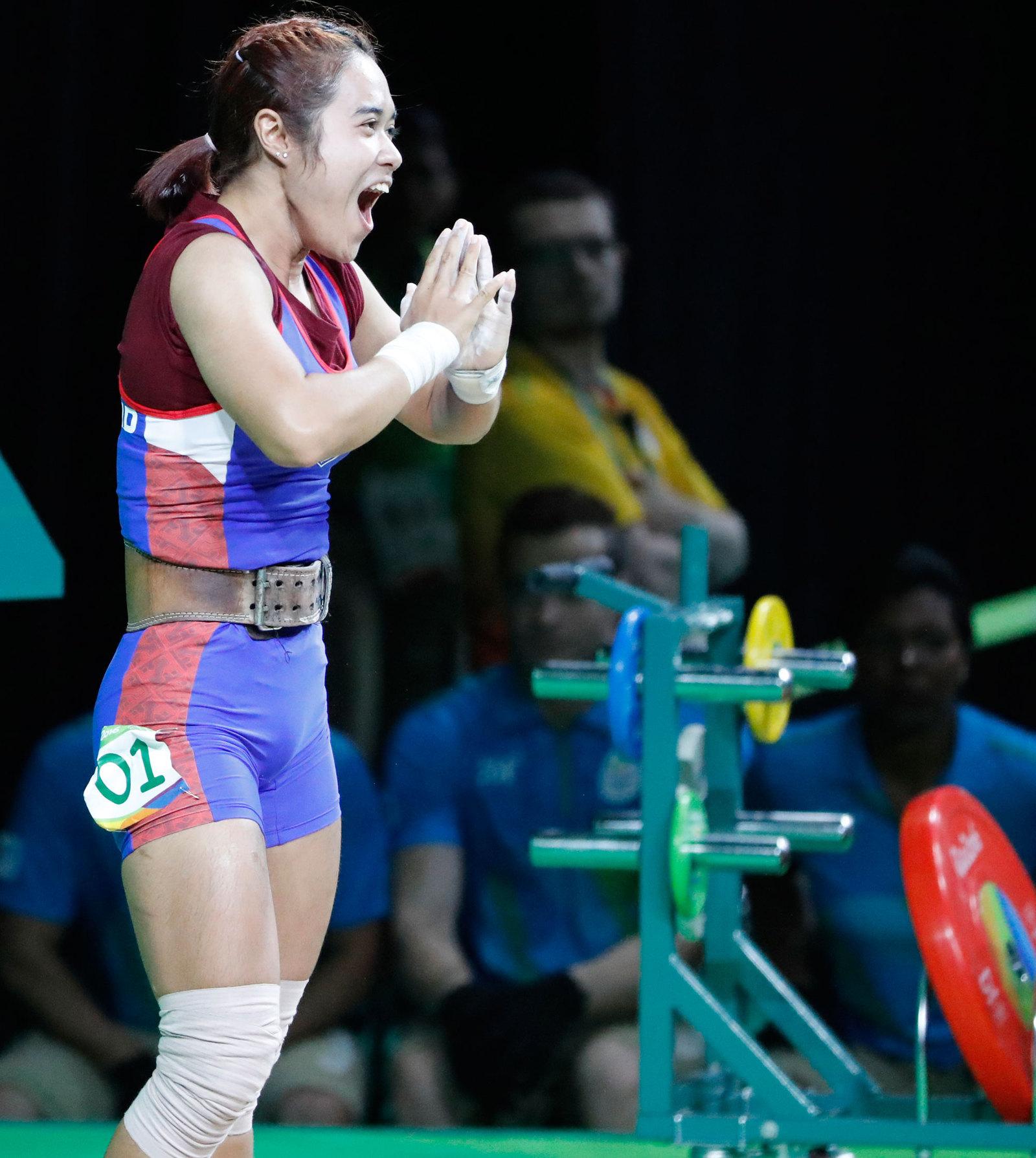 Новоиспеченная олимпийская чемпионка-тяжелоатлетка Сопита Танасан