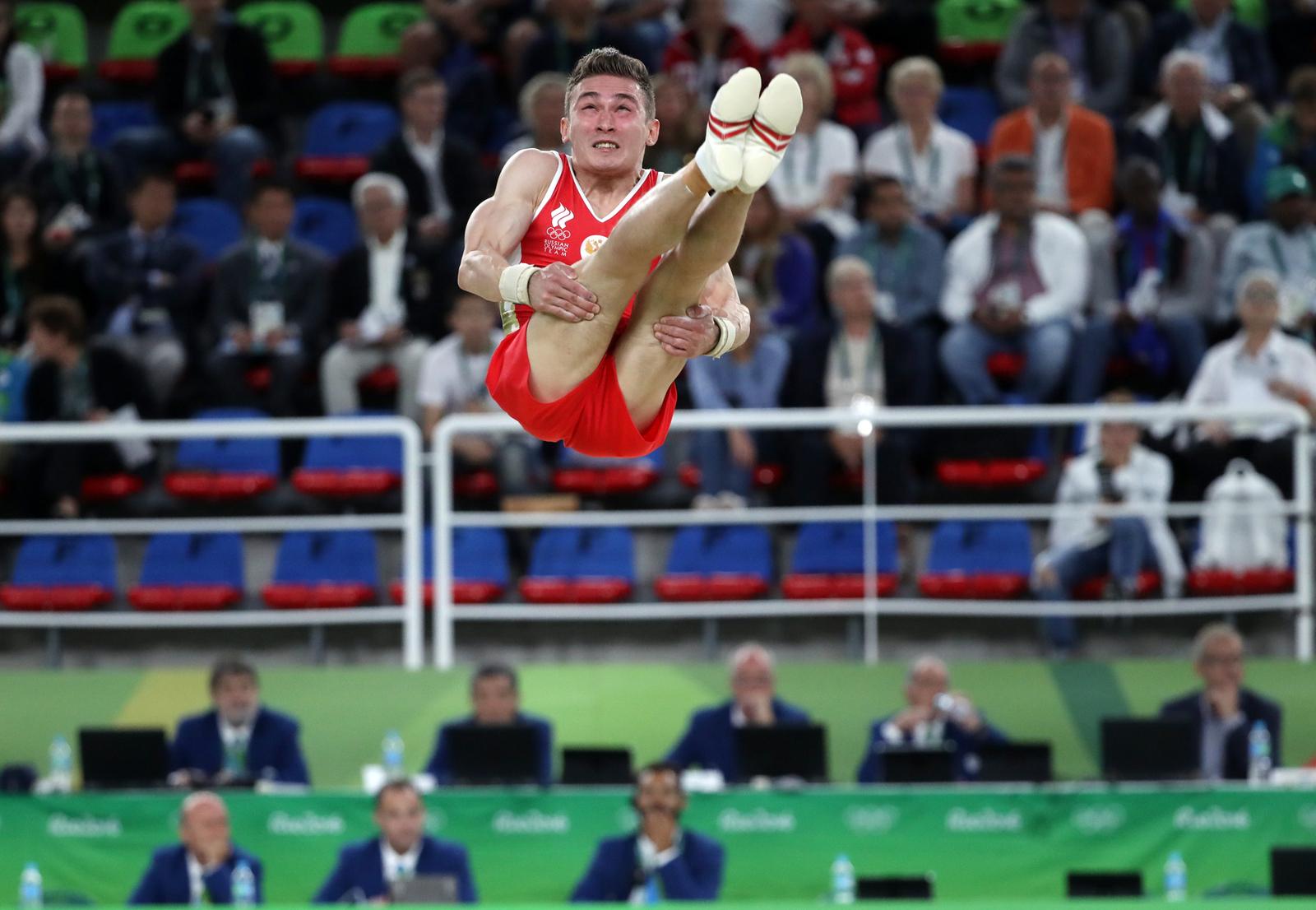 Российский гимнаст Давид Белявский в финале личных соревнований по спортивной гимнастике