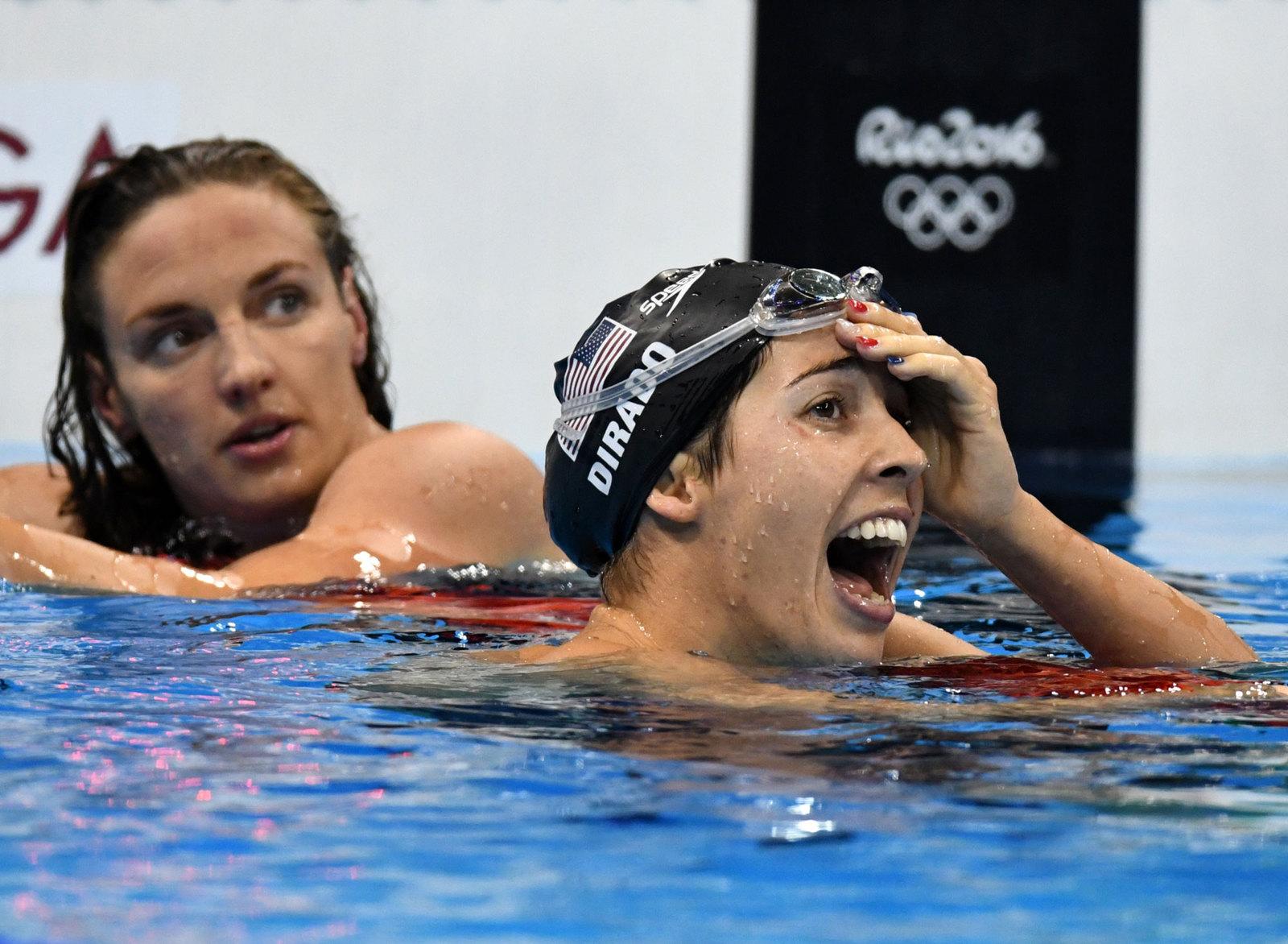 В заплыве на 200 метров на спине трехкратная олимпийская чемпионка Рио Катинка Хоссу уступила американке Майе Дирадо, проиграф на финише лишь касание