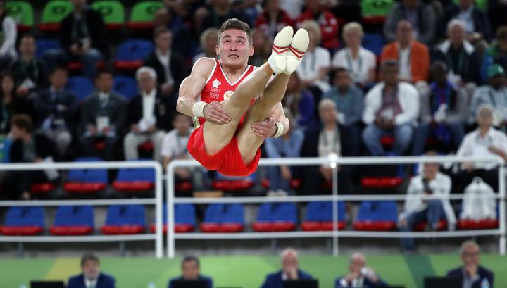 Давид Белявский завоевал «бронзу» всоревнованиях набрусьях