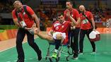 Польский аолейболист во время матча получил серьезную травму ноги и не смог продолжить выступление