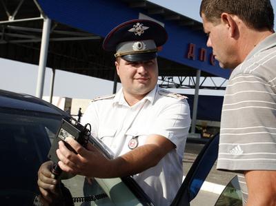 Российский водителей арестовывают за езду с тонировкой