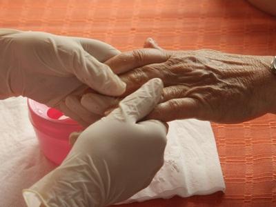 Известный антиоксидант способен замедлить старение кожи даже после 80