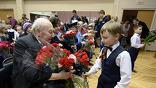 Поздравление школьниками ветеранов