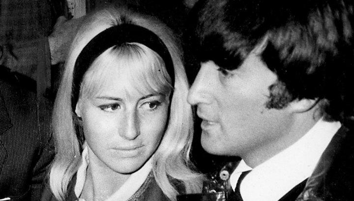 Прядь волос Джона Леннона продана за 35 тысяч долларов