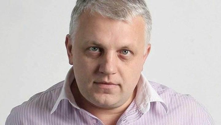 Павла Шеремета убили в Киеве. Взорвали в машине. Пока непонятно, хотели убить именно его или его подругу Алёну Притулу, в чьёй машине он ехал. Она редактор