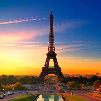 Во Франции из-за сбоя системы тысячи пассажиров ночевали в вагонах поездов