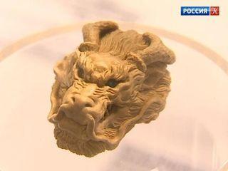 В Приморье показывают японскую миниатюрную скульптуру