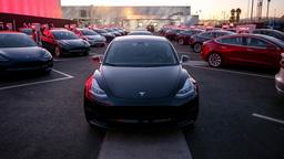 Tesla бьет рекорды продаж в Европе: BMW и Mercedes унижены и растоптаны