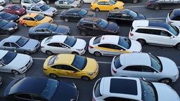 Водителям раздают по 35 000 рублей за отказ от личных автомобилей