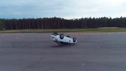 Полицейский разворот на Lada Vesta: как не надо делать (видео)
