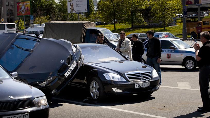 Автовладельцам хотят дать право выбора при возмещении по ОСАГО