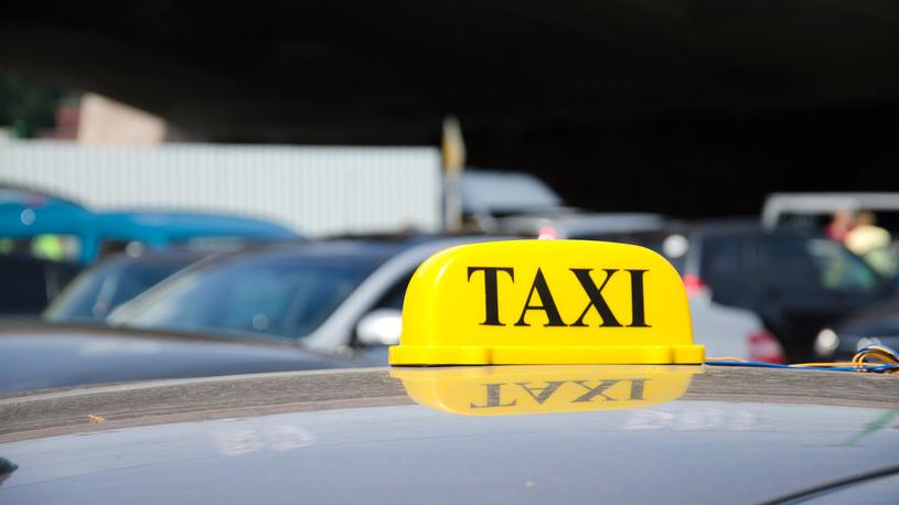Названы самые популярные автомобили у таксистов