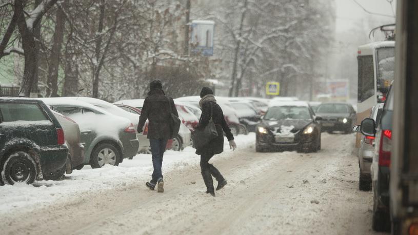 Дептранс призвал москвичей оставить личные автомобили