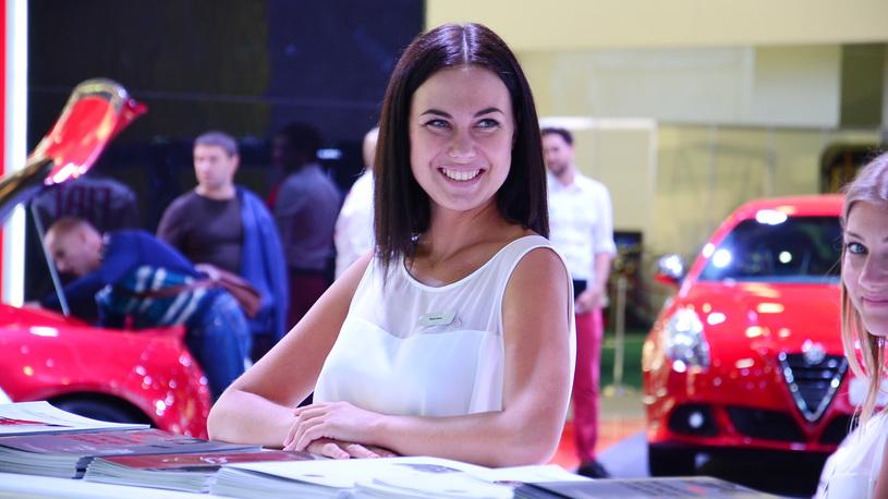 На автосалоне в Женеве девушки-модели попали под запрет