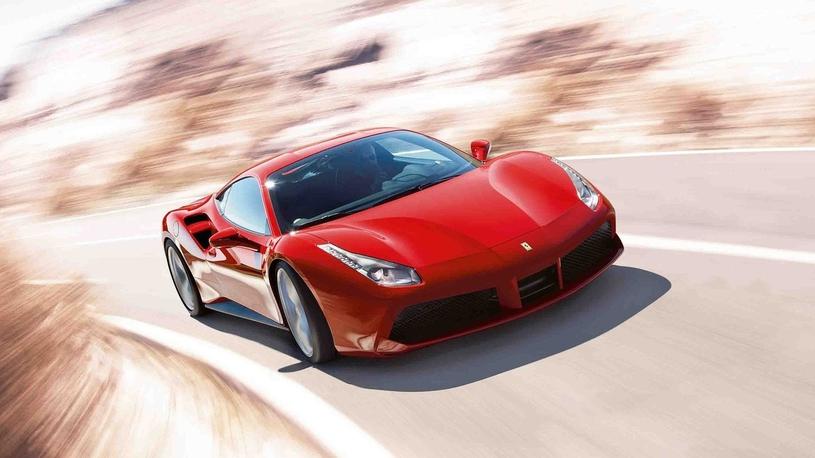 Россияне активно скупают суперкары Ferrari