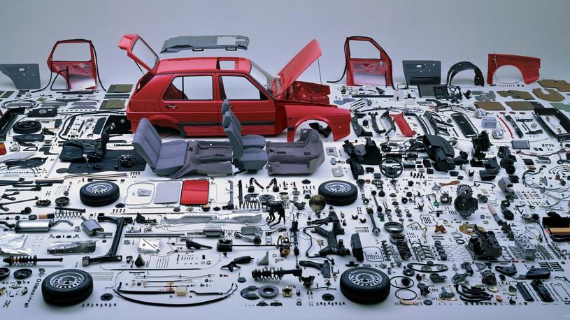 Из какого количества деталей состоит автомобиль?
