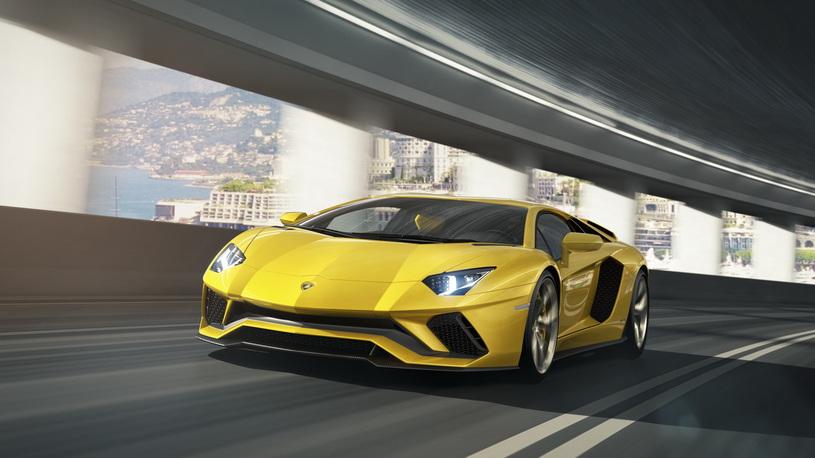 Lamborghini не собирается хоронить атмосферные моторы V12