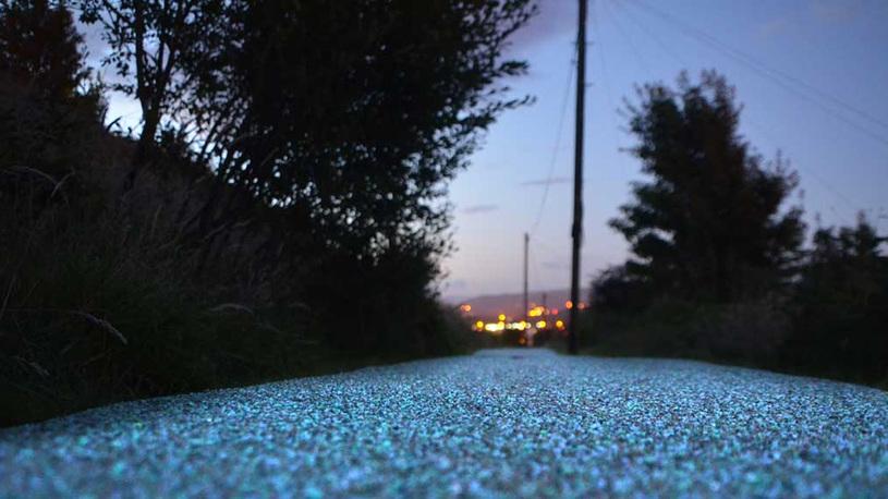 В России могут появиться светящиеся дороги
