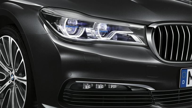 Посчитали-прослезились: лазерная оптика BMW 7 Серии