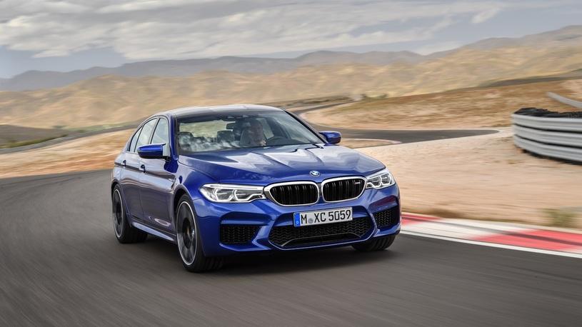 Названа российская цена заряженного седана BMW M5