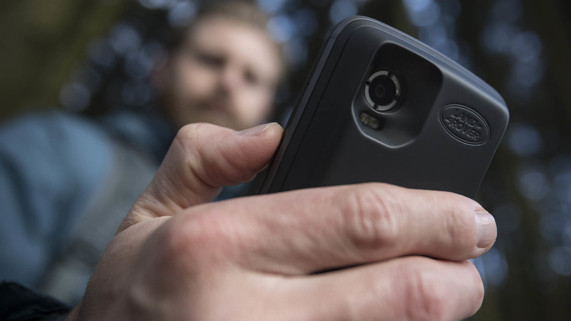 Москвичи сняли на смартфоны более миллиона парковочных нарушений