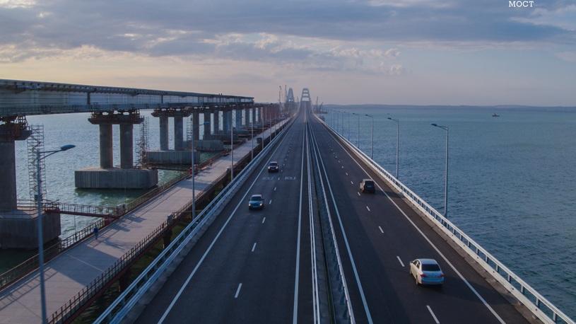 Мост в Крым побил новый суточный рекорд интенсивности движения