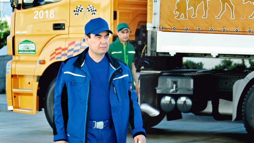 Президент Туркменистана собственноручно собрал внедорожник