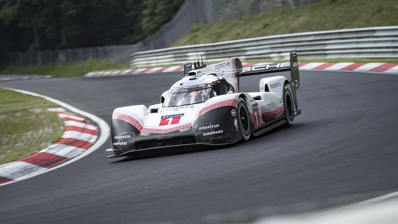 Porsche установил абсолютный рекорд легендарного Нюрбургринга