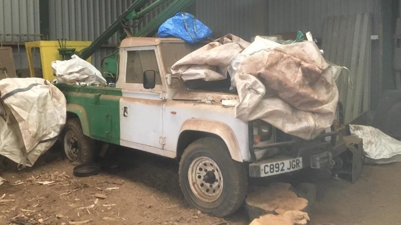 Редчайшие Land Rover и Rolls-Royce обнаружены на шотландской ферме
