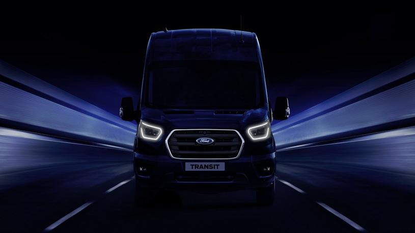 Популярные фургоны Ford Transit запитают электричеством