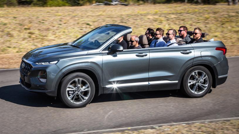 Hyundai превратила кроссовер Santa Fe в 7-местный кабриолет
