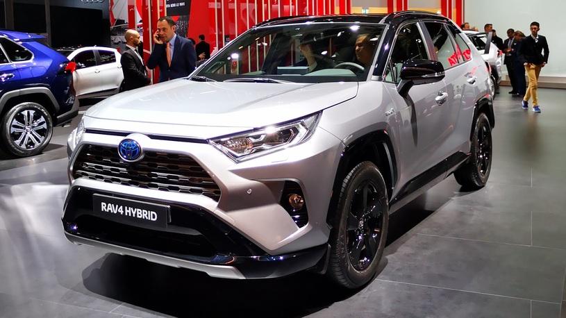 Европейцам показали новую Toyota RAV4