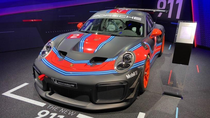 Porsche выпустила безумный суперкар за 37 млн рублей