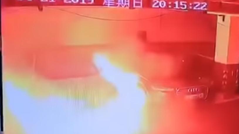 В Шанхае взорвалась очередная Tesla Model S (видео)