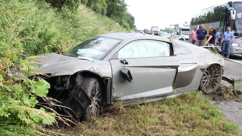 Богатые тоже бьются: беглеца из краденного Audi искали с собаками и вертолетами