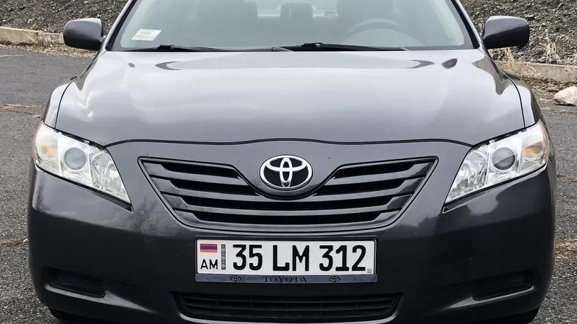 Вижу в России много автомобилей на армянских номерах. Что происходит?