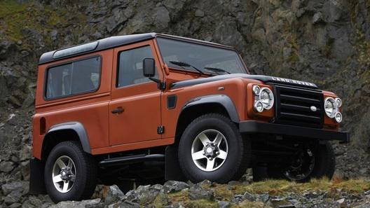 Land Rover выпускает ограниченную серию культового внедорожника Defender