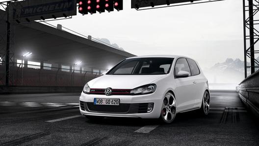 В России начали продавать заряженный VW Golf