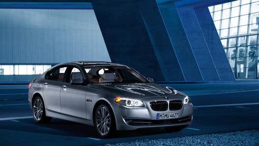 Новый BMW 5-Series: официальные фотографии и спецификации