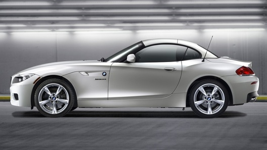 BMW Z4 sDrive 35is – флагманский родстер от BMW стал быстрее и лучше