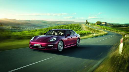 Porsche представит в Пекине две новые версии Panamera