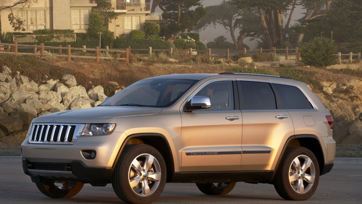 Chrysler запустит сборку Jeep Grand Cherokee 2011 в мае