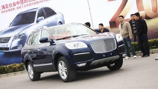 Только в Китае: три клона Bentley и копия Porsche Cayenne