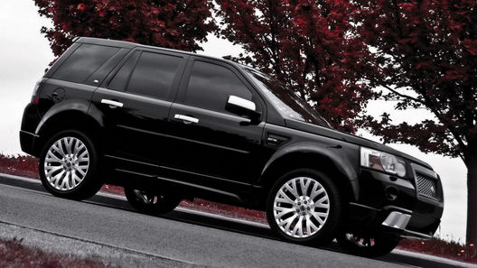 Ателье Project Kahn облагородило облик Land Rover Freelander