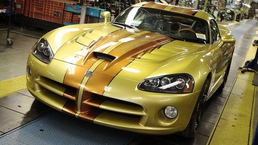 С конвейера в Детройте сошел последний Dodge Viper