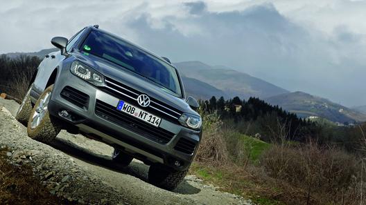 Volkswagen анонсирует заводской тюнинг-кит R Line для внедорожника Touareg