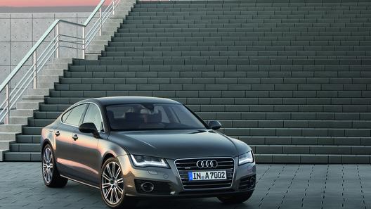 Audi представила A7 - главного конкурента BMW 5-Series GT и Porsche Panamera