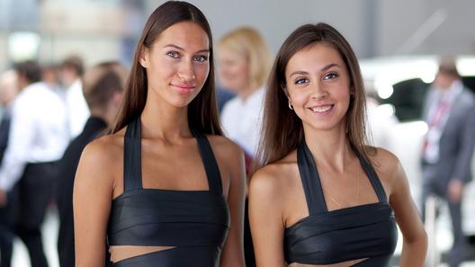 Девушки с Московского Международного Автомобильного cалона 2010